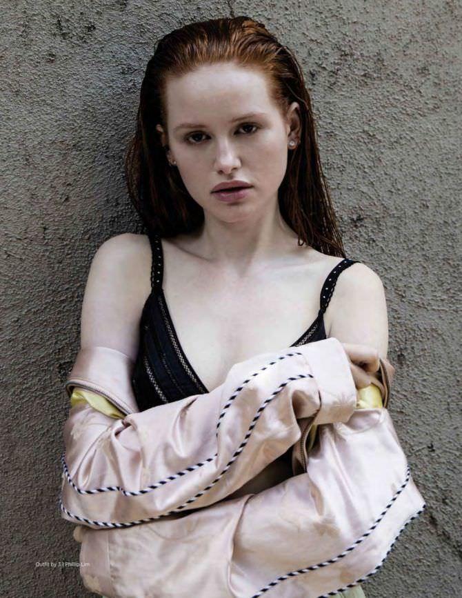 Мэделин Петш фото в куртке