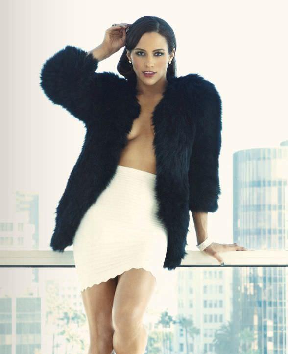 Пола Паттон фото в белой юбке