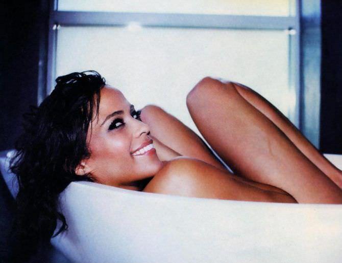 Пола Паттон фото в ванне