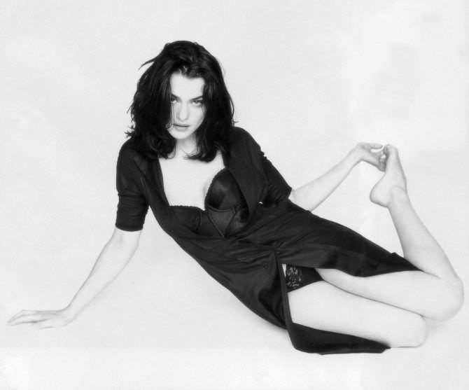 Рэйчел Вайс чёрно-белое фото