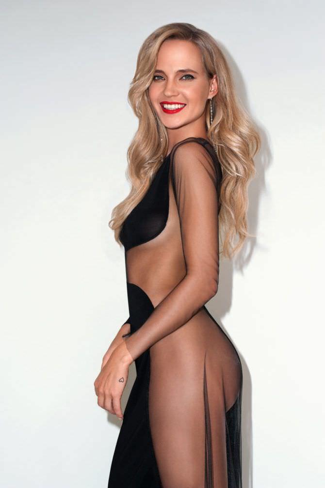 Наталья Ионова фото в чёрном платье