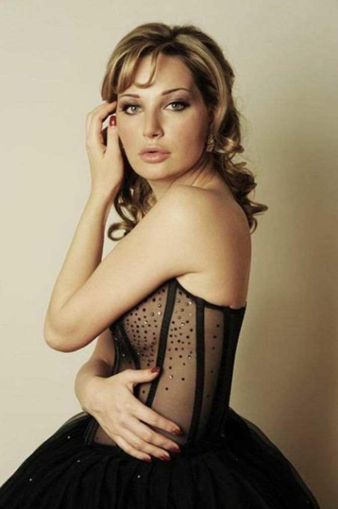Мария Максакова фото в прозрачном платье
