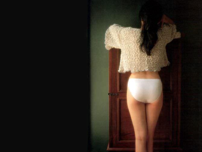 Шу Ци фото со спины