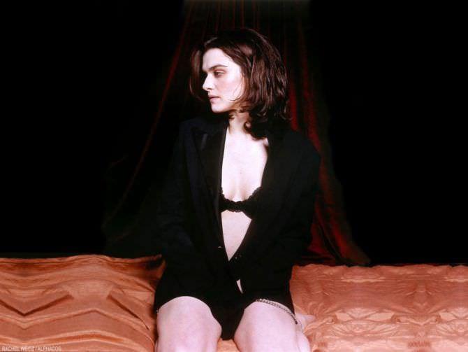 Рэйчел Вайс фото в рубашке