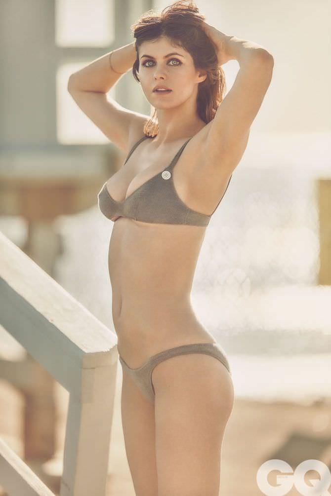 Александра Даддарио фото в бикини