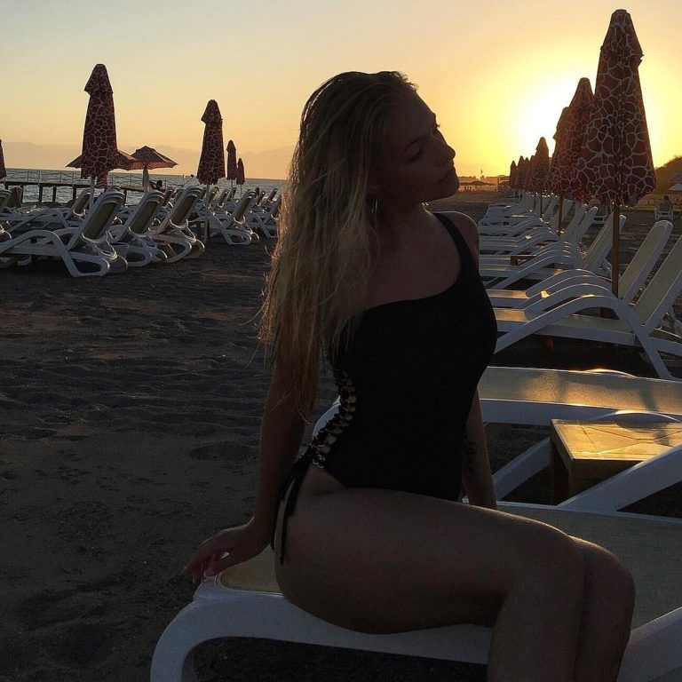 Лиза Пескова Слив