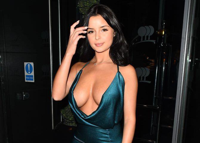 Деми Роуз фото в вечернем платье