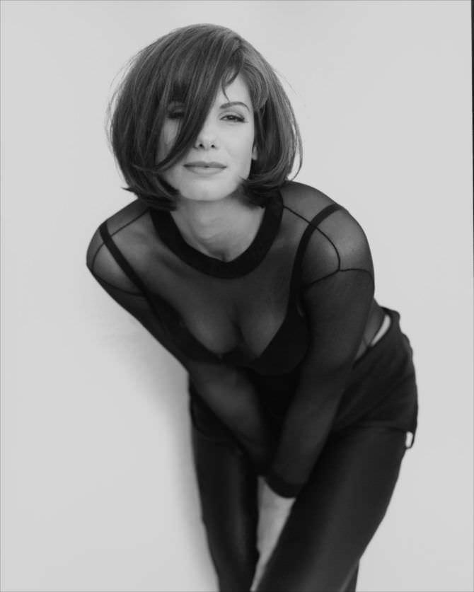 Сандра Буллок фотография в прозрачной блузке