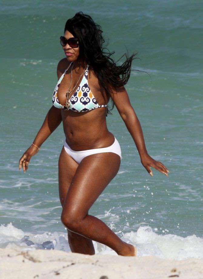 Серена Уильямс отография на пляже в бикини