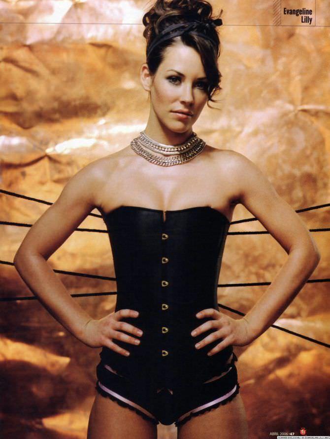 Эванджелин Лилли фотография в чёрном корсете