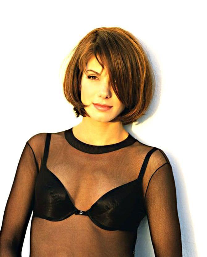 Сандра Буллок фото в прозрачной блузке