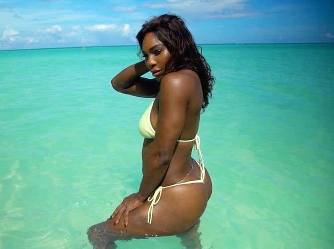 Серена Уильямс фото в купальнике в море