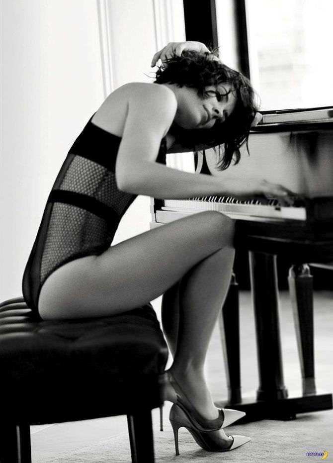 Эванджелин Лилли фотография в белье для эскваер