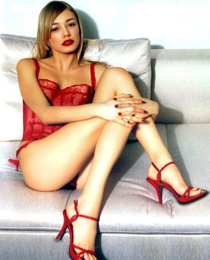 Оксана Акиньшина фото из журнала в красном белье