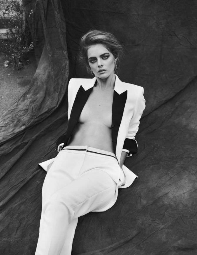 Самара Уивинг фотосессия в белом костюме