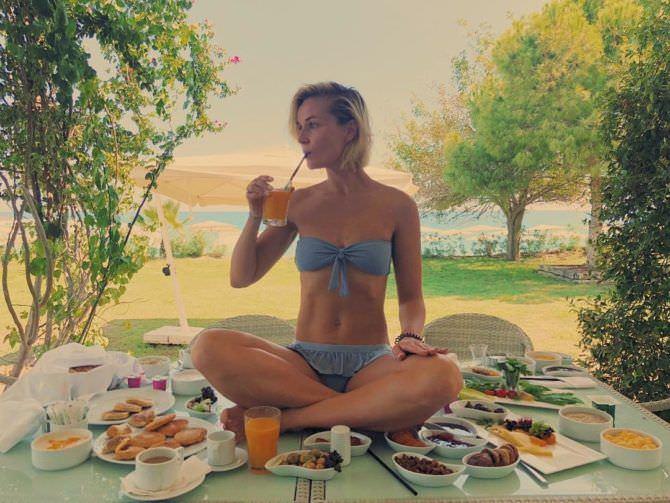 Полина Гагарина фото с едой
