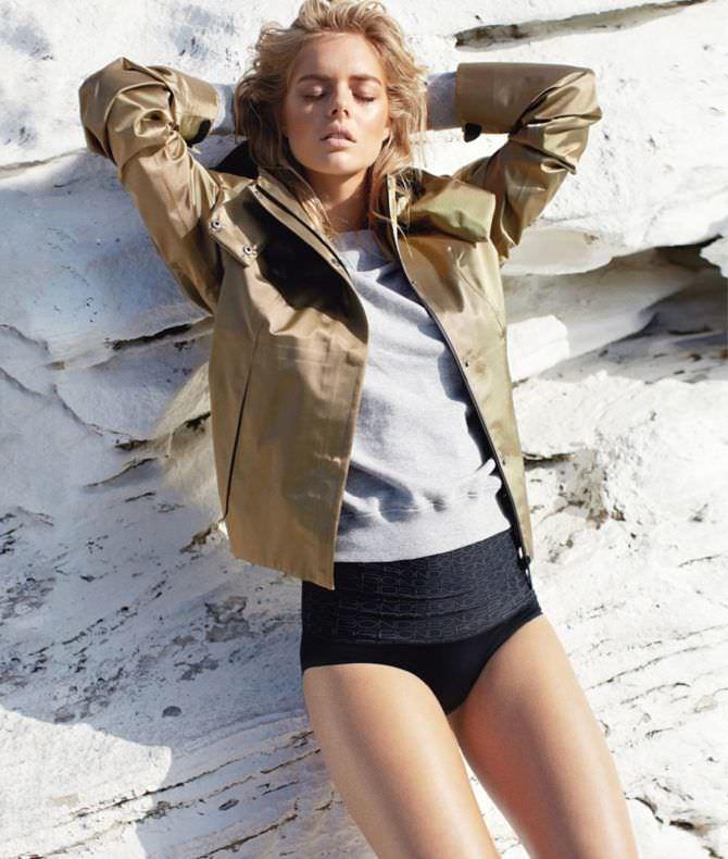 Самара Уивинг фотография  в куртке