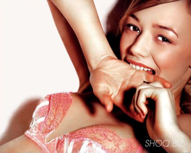 Оксана Акиньшина фотография в розовом белье