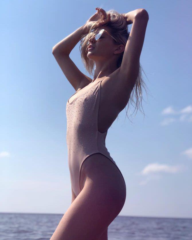 Наталья Бардо фото в закрытом купальнике