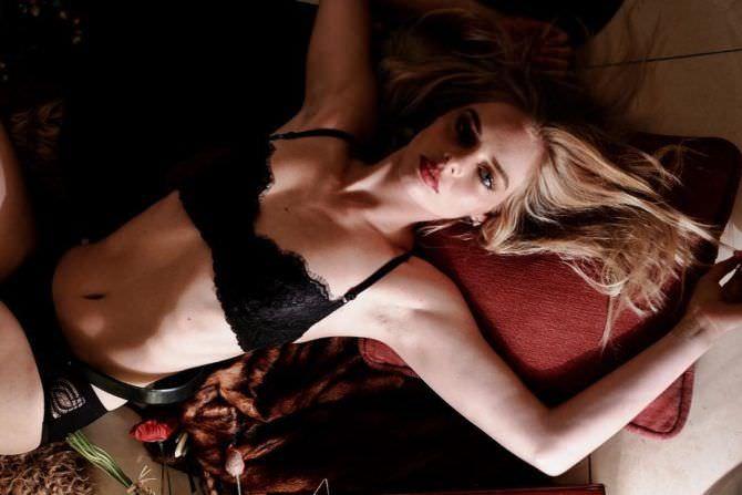 Самара Уивинг фотография в нижнем белье в инстаграм
