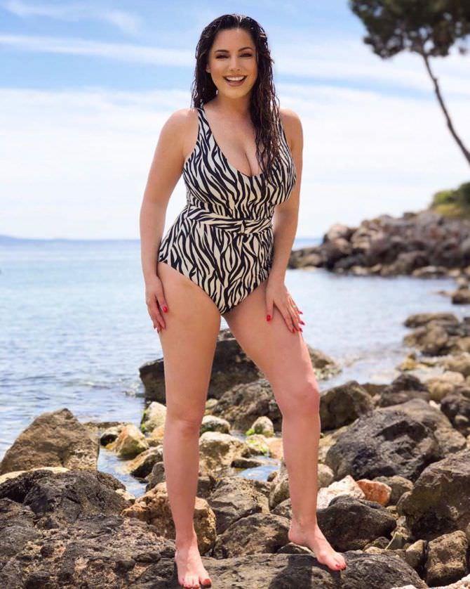 Келли Брук фото в купальнике в инстаграм