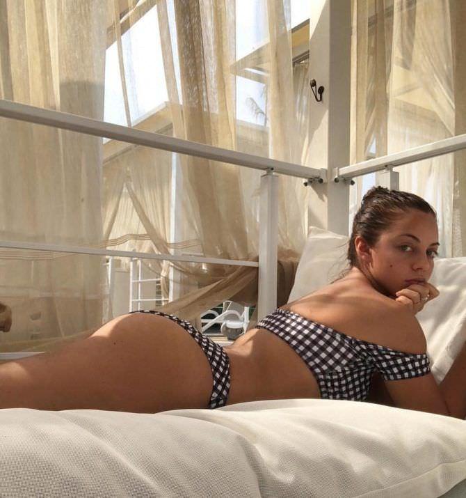 Катя Кищук фото в купальнике в клетку