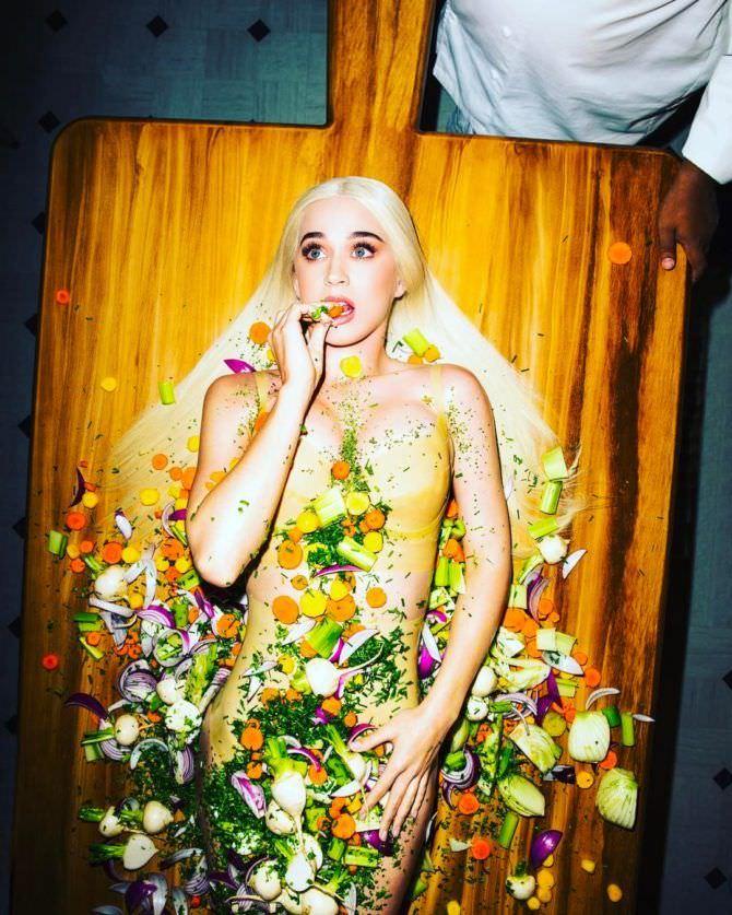 Кэти Перри фотография с едой