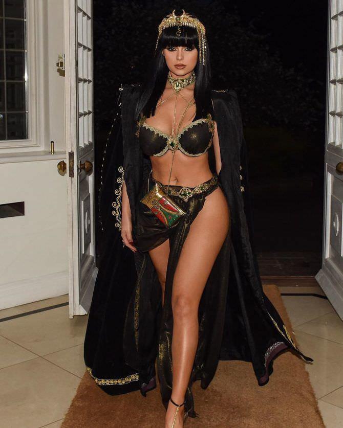 Деми Роуз фото в костюме фараона