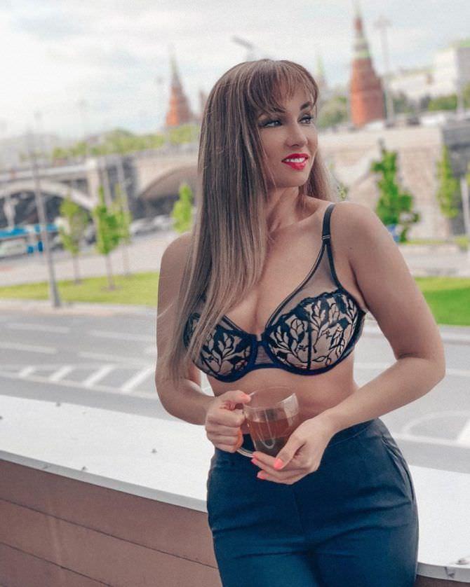 Анфиса Чехова на фотосессии в нижнем белье