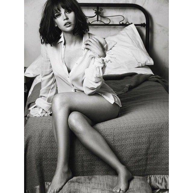Фелисити Джонс фото с фотосессии в инстаграм