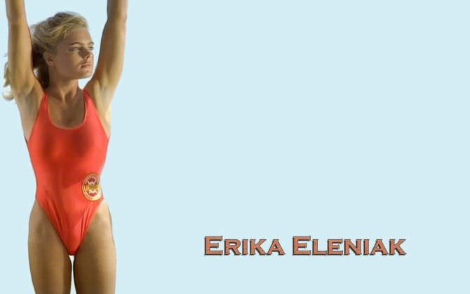Эрика Элениак фотография в купальнике