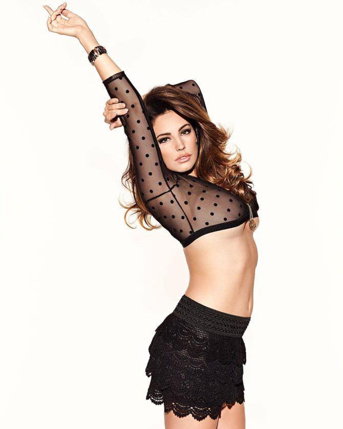 Келли Брук фото в блузке