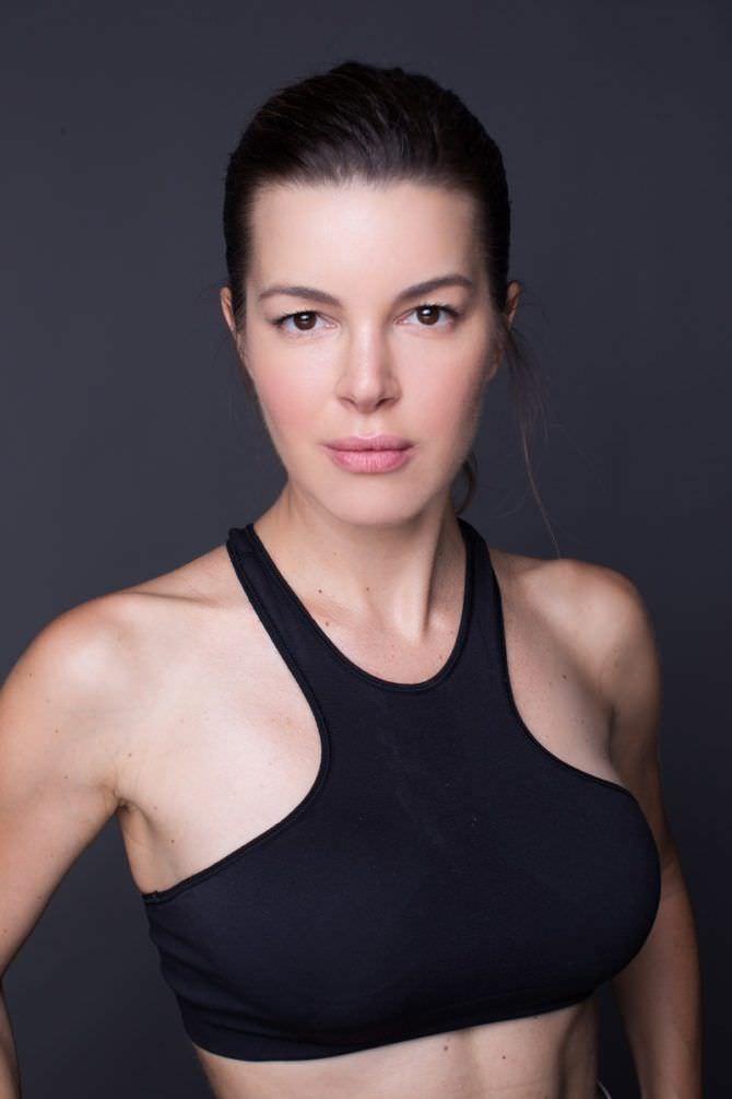 Оксана Сидоренко фото в спортивном топе
