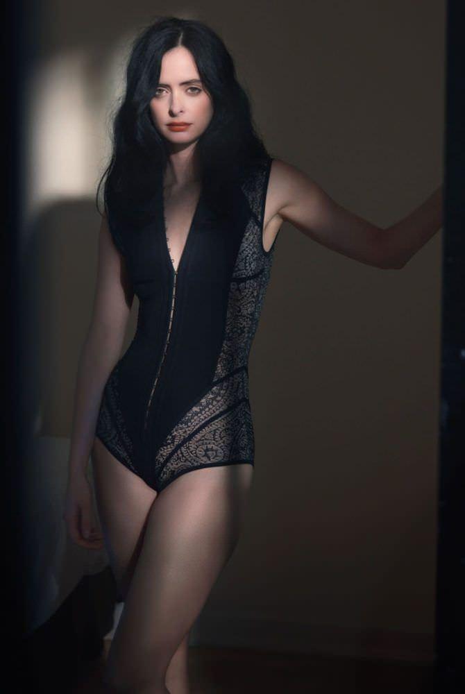 Кристен Риттер фотография в чёрном боди