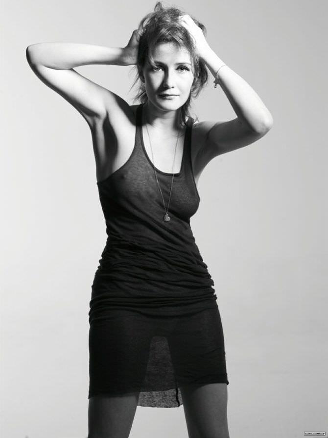 Кэрис ван Хаутен фотосессия в тонком платье