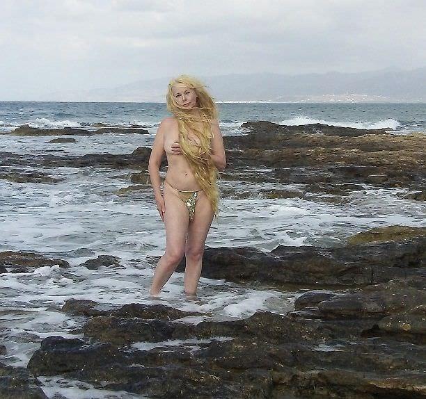 Елена Кондулайнен откровенная фотосессия на пляже