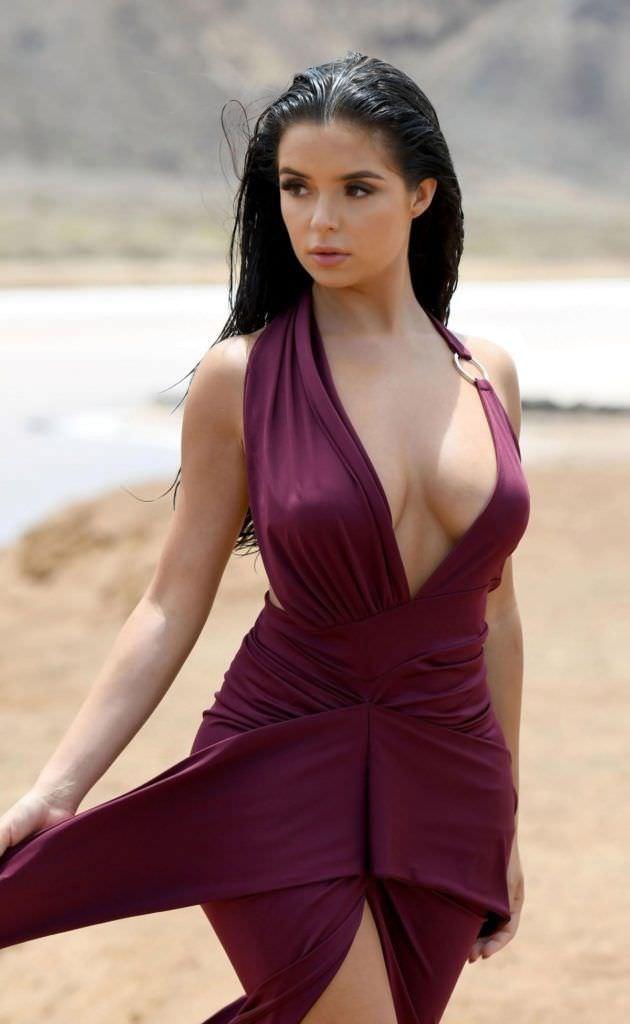 Деми Роуз фотография в красивом платье