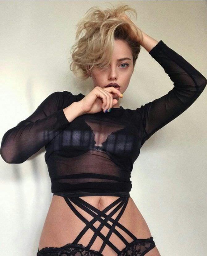 Катя Кищук фото в прозрачной кофте