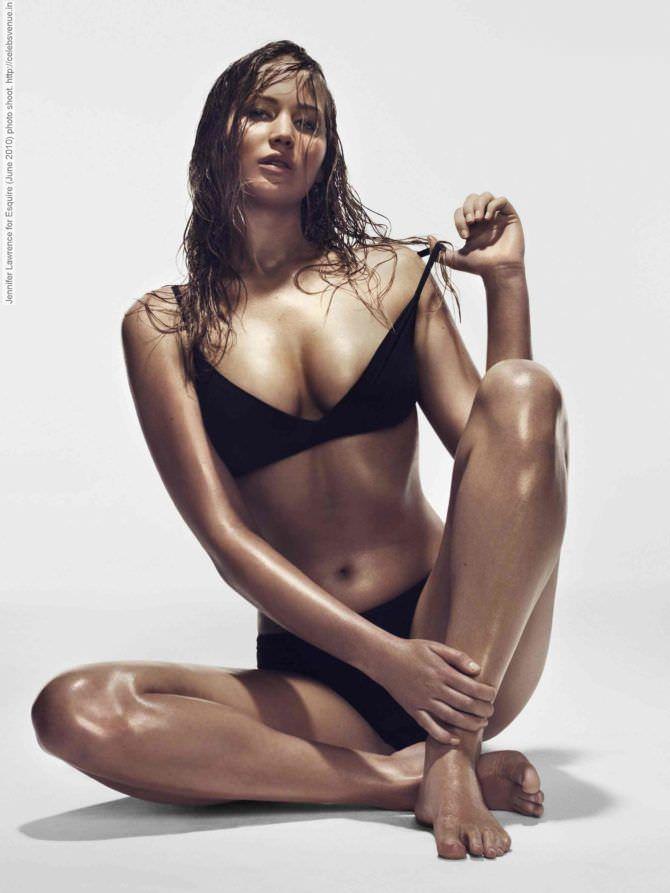 Дженнифер Лоуренс фото в бикини в эскваер
