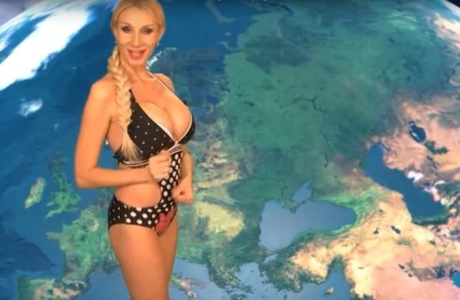 Лариса Сладкова кадр в купальнике