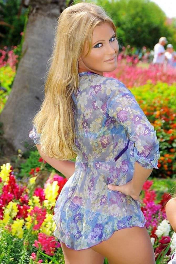 Дана Борисова фотосессия в тунике и бикини