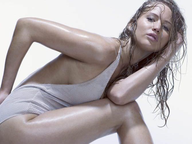 Дженнифер Лоуренс фото в белом купальнике в журнале
