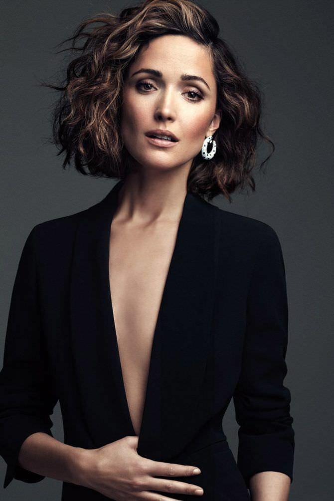 Роуз Бирн фотография в чёрном пиджаке