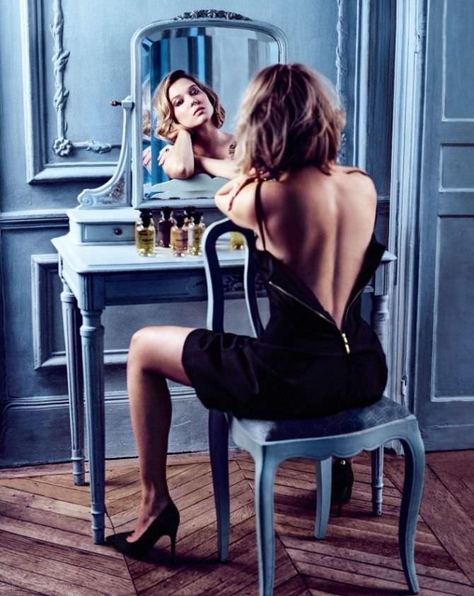 Леа Сейду фото в расстёгнутом платье