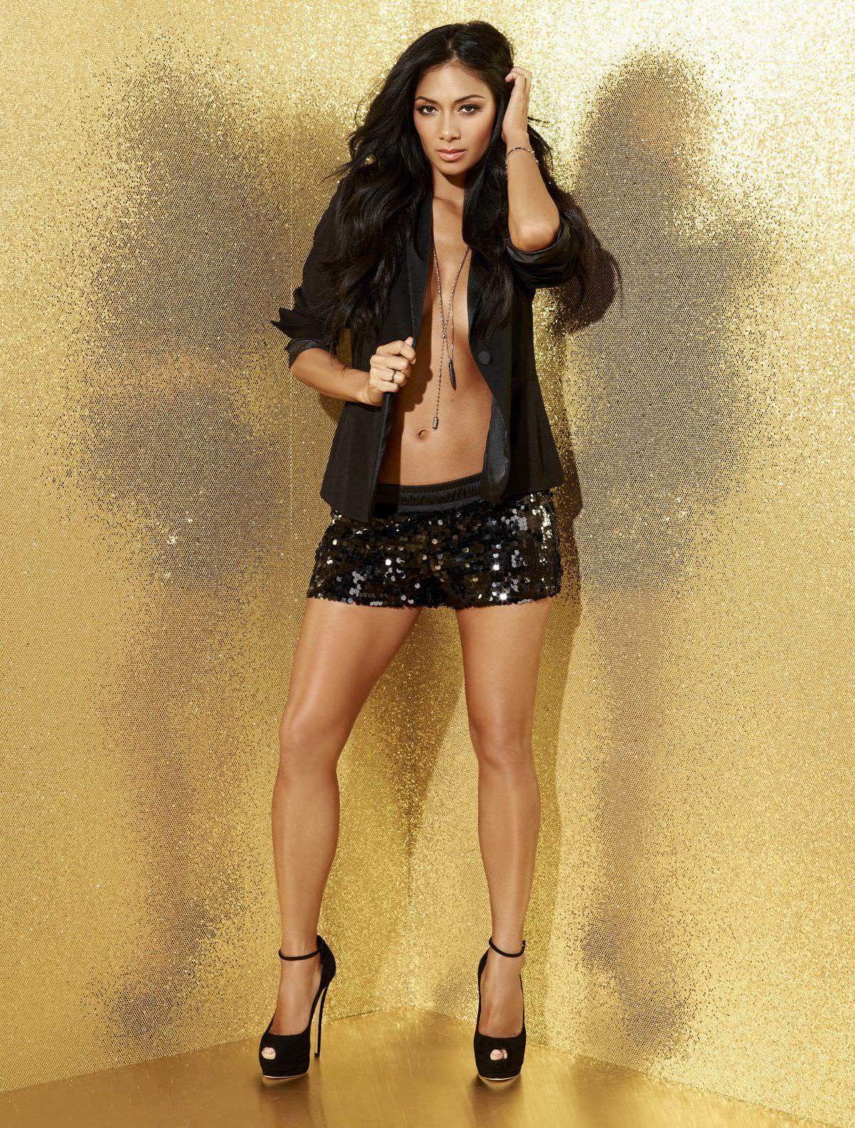 Nicole scherzinger sexy in three fashion combinations