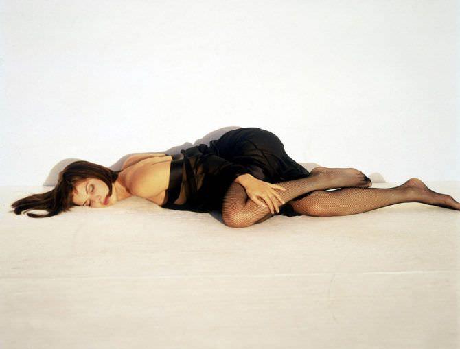 Сандра Буллок фото в прозрачном халатике
