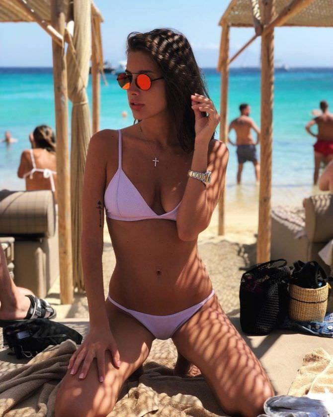 Кэти Топурия фото с отдыха на пляже