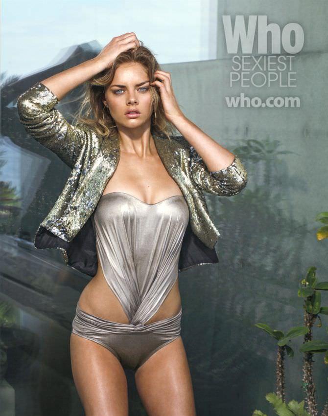 Самара Уивинг фото в серебряном боди