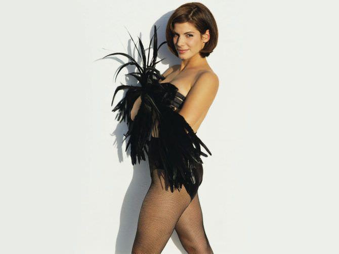 Сандра Буллок фотосессия с перьями