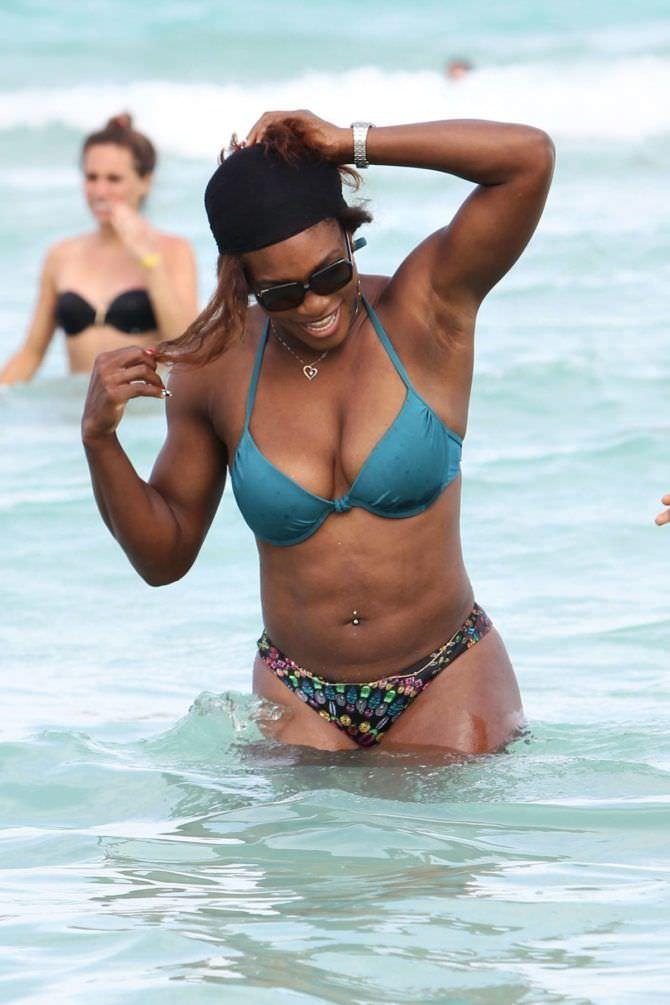 Серена Уильямс фото на пляже на отдыхе